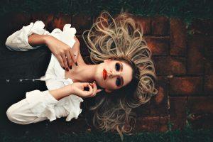 30+ Beauty & Lifestyle Habits Ruining Your Skin